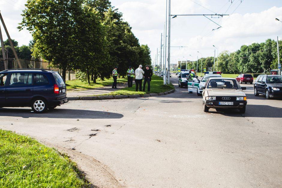 Per avariją Pramonės prospekte sužeistas žmogus