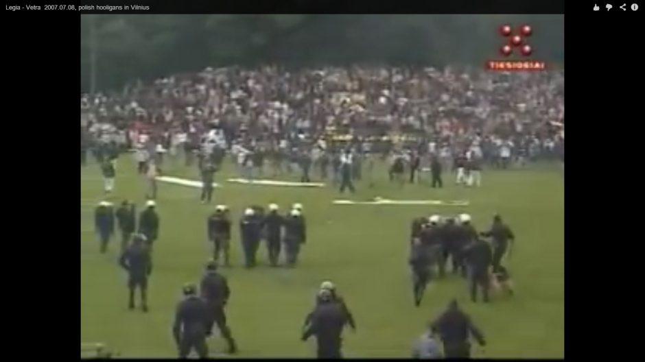 Iššūkis policijai: į sostinę atvyksta agresyvūs Lenkijos futbolo fanai