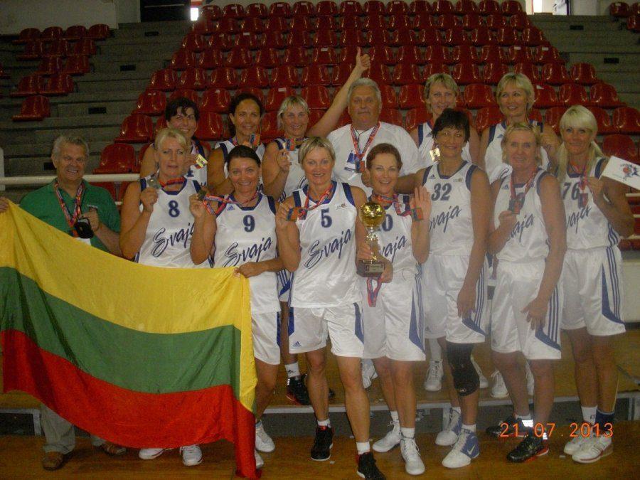 """Vilniaus """"Svajos"""" krepšininkės - pasaulio veteranių čempionės!"""