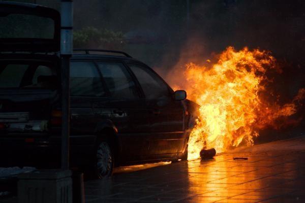 Apgadinti keturi automobiliai: Vilniuje siautėja padegėjai?