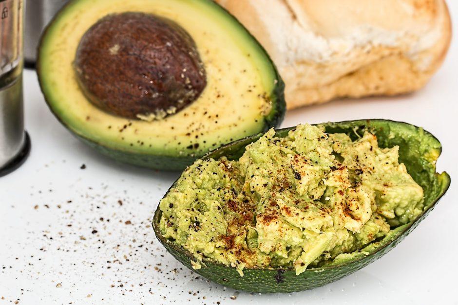 Kodėl savo mitybą naudinga praturtinti avokadu?