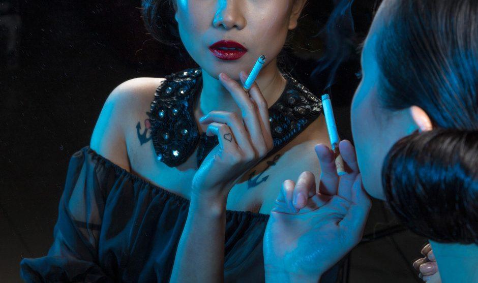 Ar tikrai moterims lengviau kovoti su žalingais įpročiais?