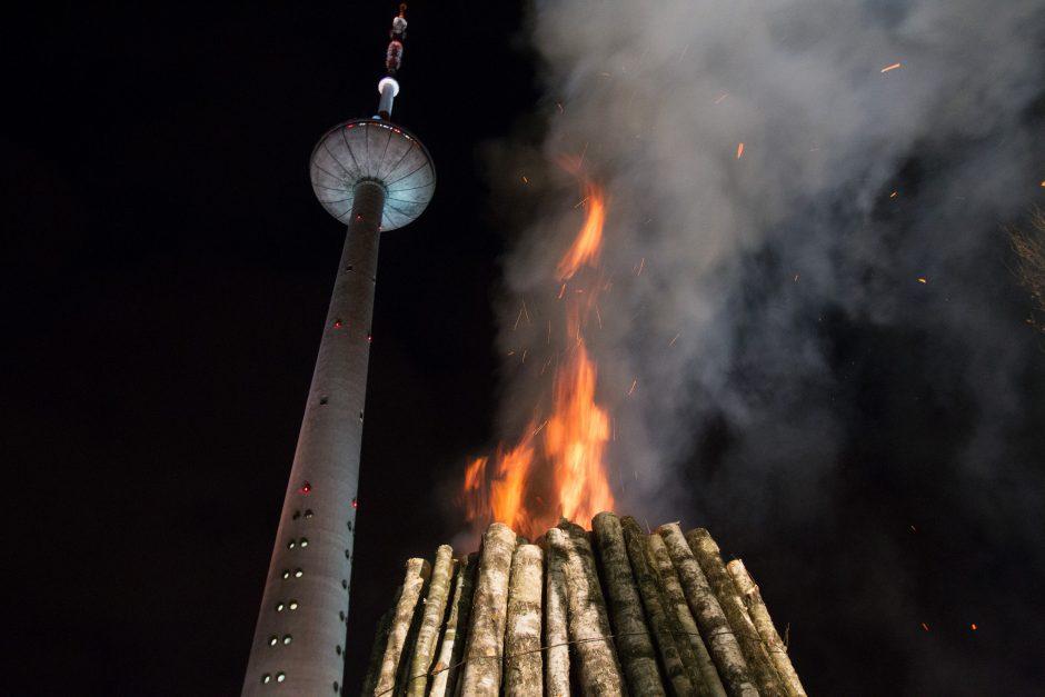 Vilniuje suliepsnojo atminimo laužai