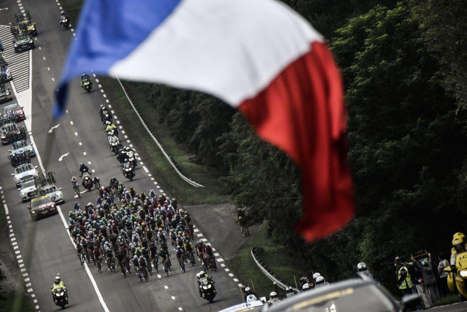 Prancūzija suėmė du šnipus, įtariamus perdavus paslapčių Kinijai