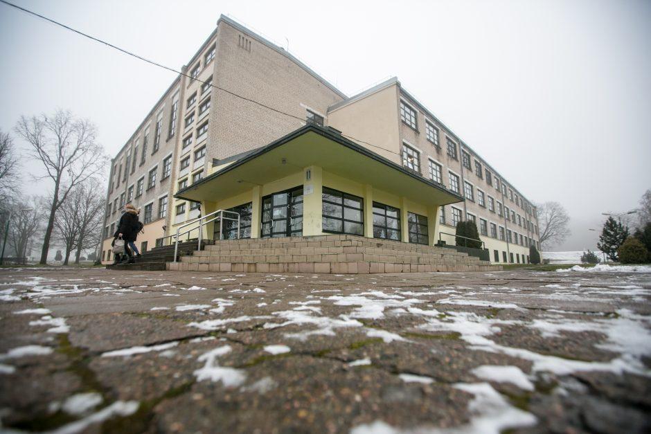 Kita Šv. Mato gimnazijos pusė: mokytojai patiria spaudimą