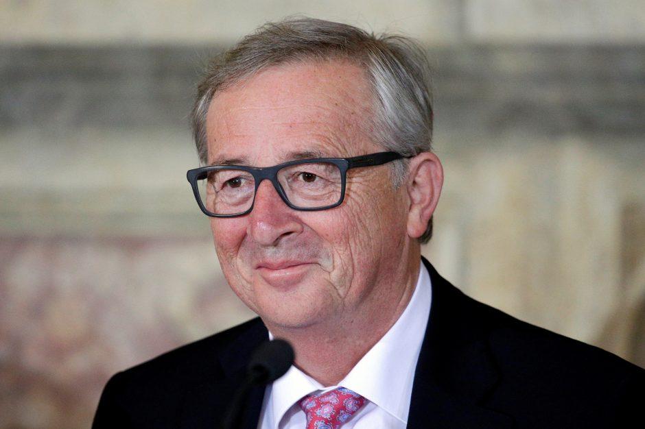 """EK vadovas: derybose dėl """"Brexit"""" reikalinga """"reikšminga pažanga"""""""