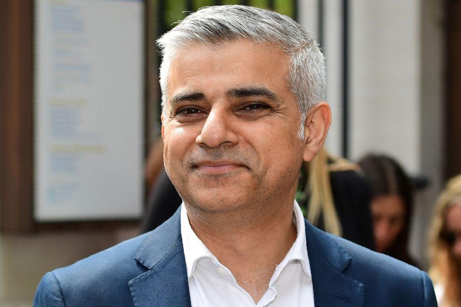 Londono meras: Didžioji Britanija turi atsiprašyti už žudynes Indijoje