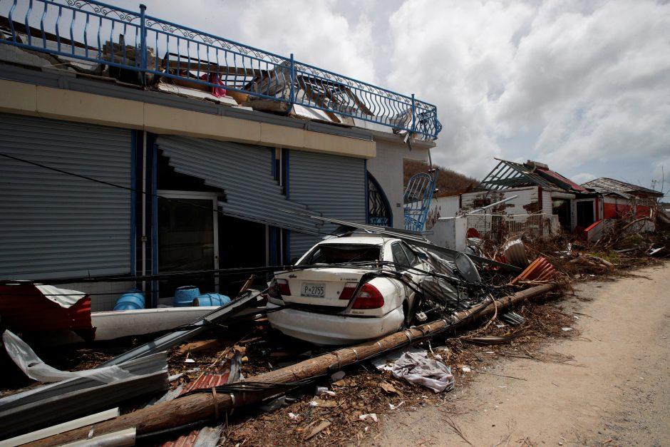 """Du lietuviai grįžta iš uragano """"Irma"""" nusiaubtos Šv. Martyno salos"""