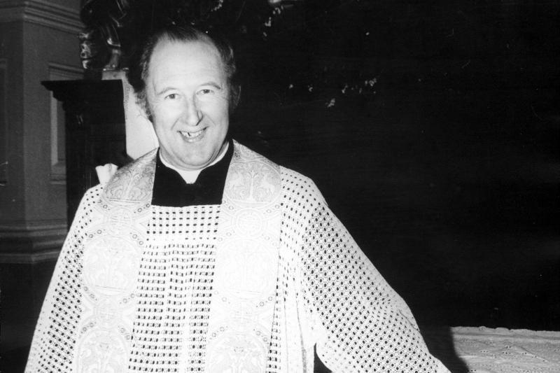 Atnaujintas tyrimas dėl pavogtų nužudyto kunigo R. Mikutavičiaus meno dirbinių
