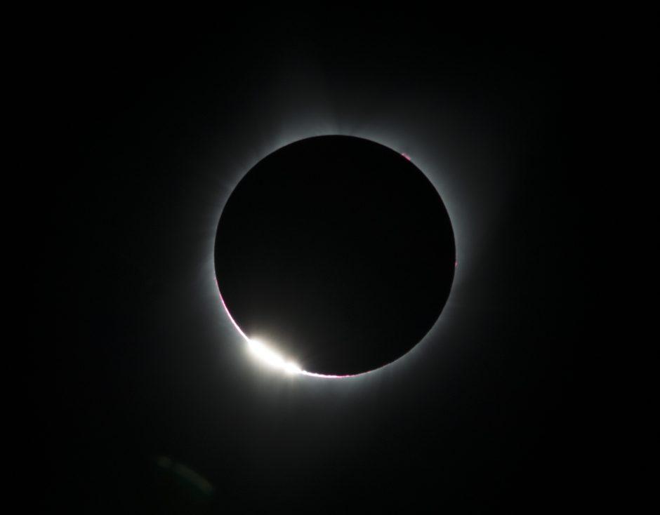 Milijonai žmonių stebėjo visišką Saulės užtemimą