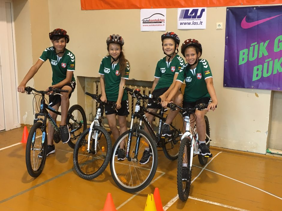Jaunieji dviratininkai meistriškumą demonstruos Vengrijoje