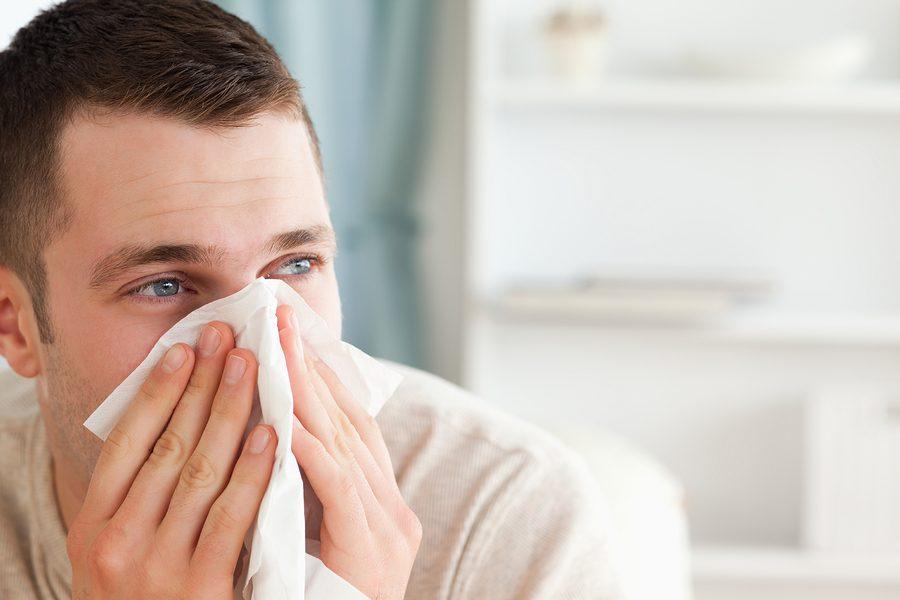 Pavasarinė sloga ar alergija: atskirti padės vos du simptomai