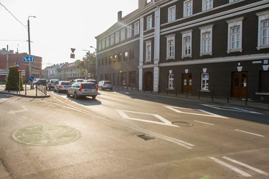 Prie perėjų nubraižyti rombai kelia sumaištį: Kaunas kuria savas eismo taisykles?