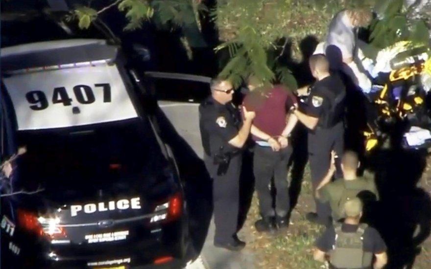 Floridos šaulys prisipažino surengęs išpuolį mokykloje