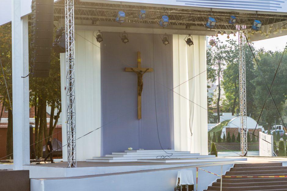 Santakoje – paskutiniai pasiruošimai Šventojo Tėvo vizitui