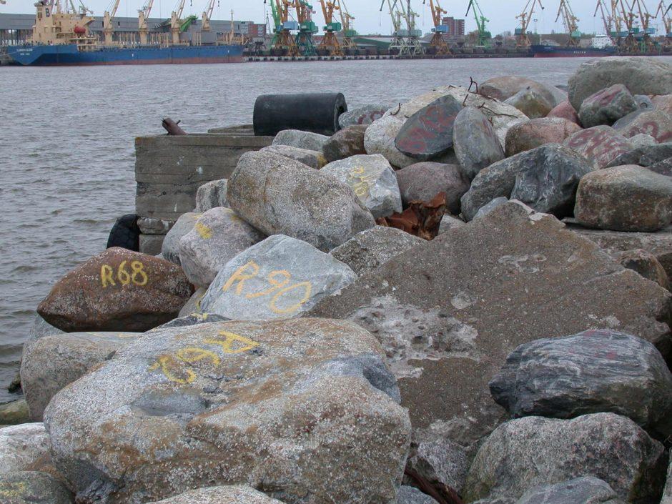 Iš Klaipėdos uosto bus rankiojami akmenys