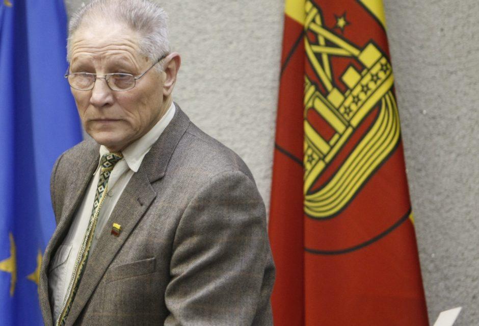 Klaipėdos politikas reikalauja mokyklose trumpinti pertraukas tarp pamokų