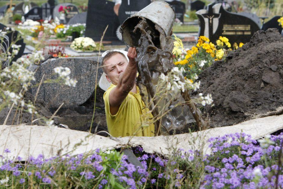 Uostamiesčio kapinėse klesti nelegalūs verslai