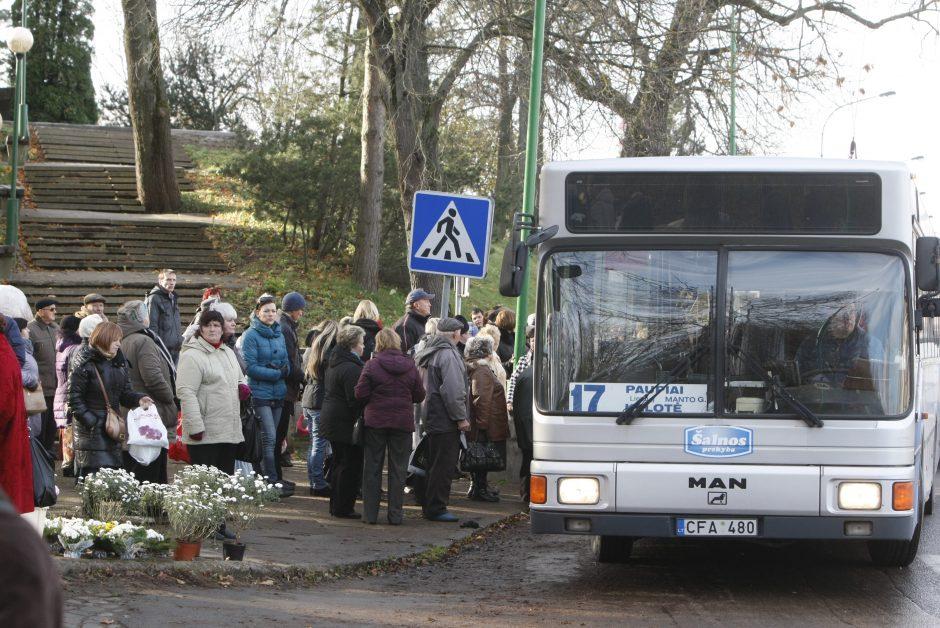 Į uostamiesčio kapines veš daugiau autobusų