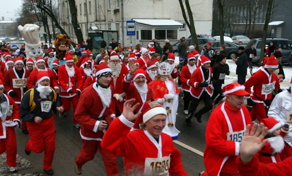 Bėgikai dovanos Kalėdas uostamiesčio senjorams