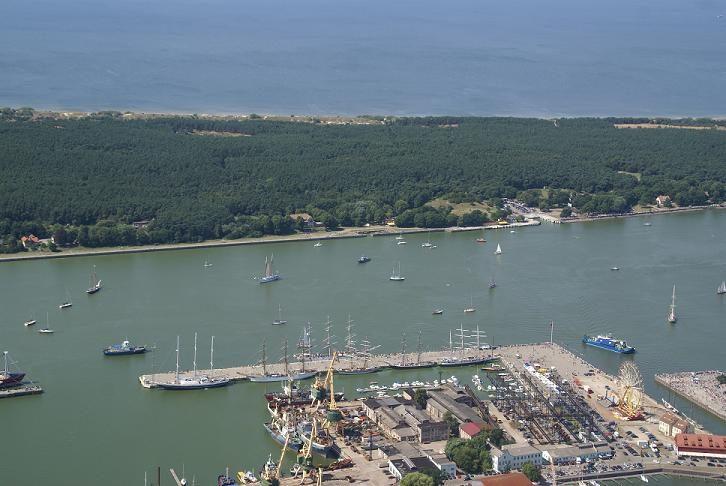 Klaipėdos uoste sulaikytas laivavedys, jachtą su keleiviais plukdęs girtas