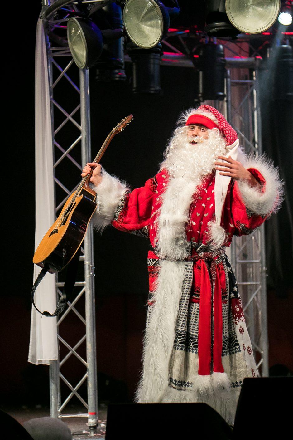 """Kalėdiniame """"Tele Bim-Bam""""ture – šventinės nuotaikos ir pokalbiai su gerbėjais"""