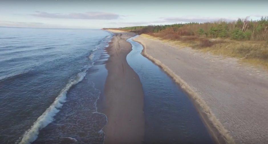 Rikinės upelis pakeitė vagą