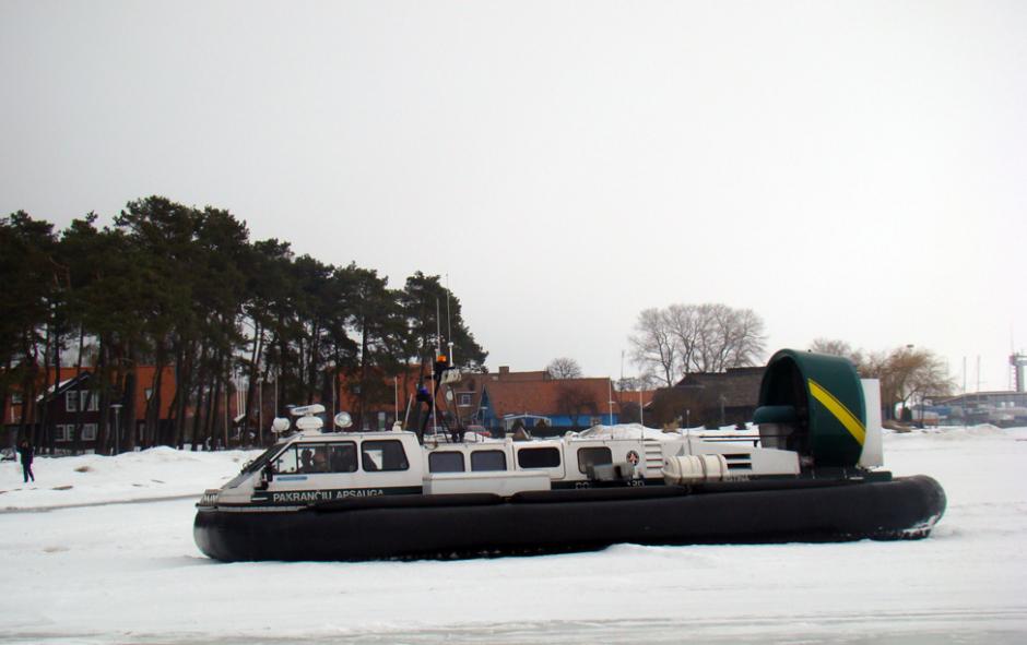 Kariuomenės atstovai įspėja nelipti ant Kuršių marių ledo