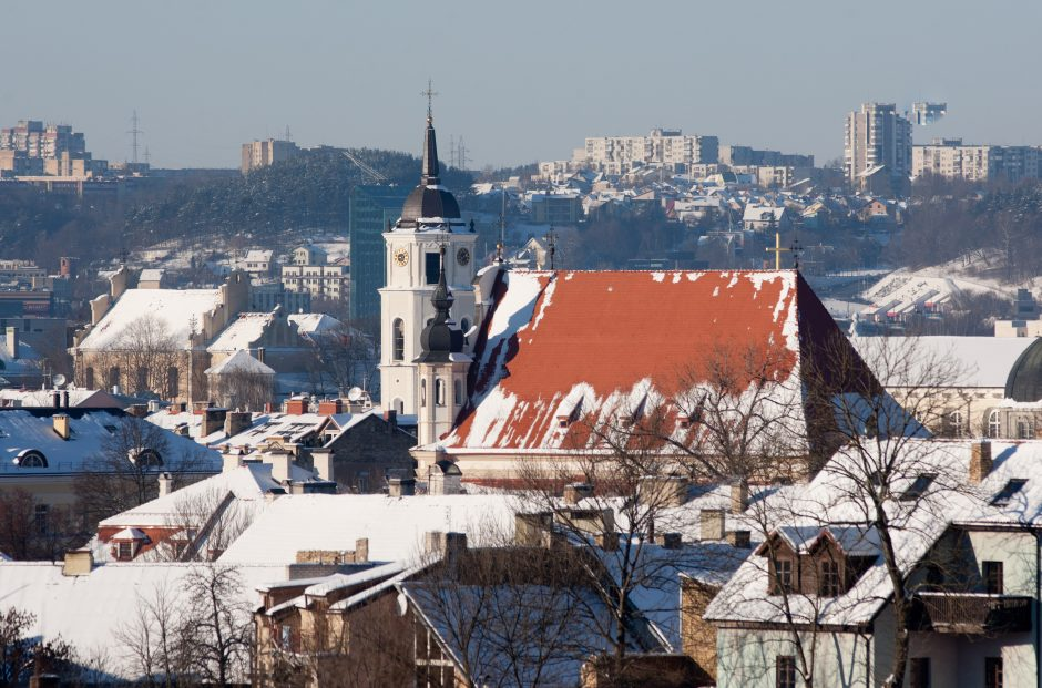 Vilniuje kritulių sekmadienį nenumatoma, rims vėjas