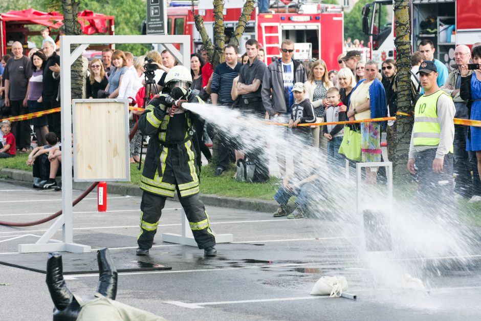 Vilniaus Rotušėje penktadienį varžysis stipriausi ugniagesiai