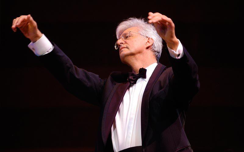 Už studentų orkestro pulto – Austrijos ir Mozarto ambasadoriumi vadinamas dirigentas