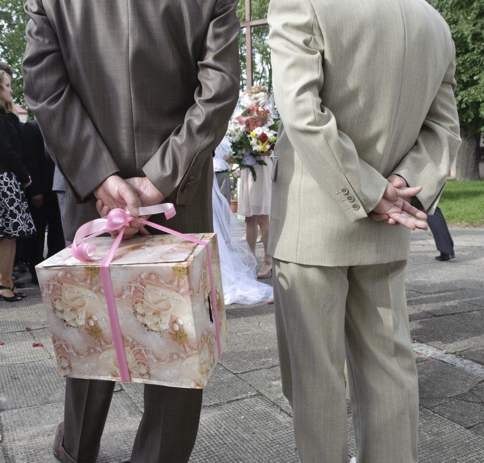 Vestuvinių dovanų tendencijos: dovanojama tai, ko labiausiai trūksta