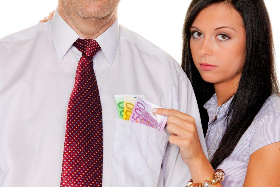 Lietuvoje suaugę žmonės neskuba išlipti iš pagyvenusių tėvų kišenės