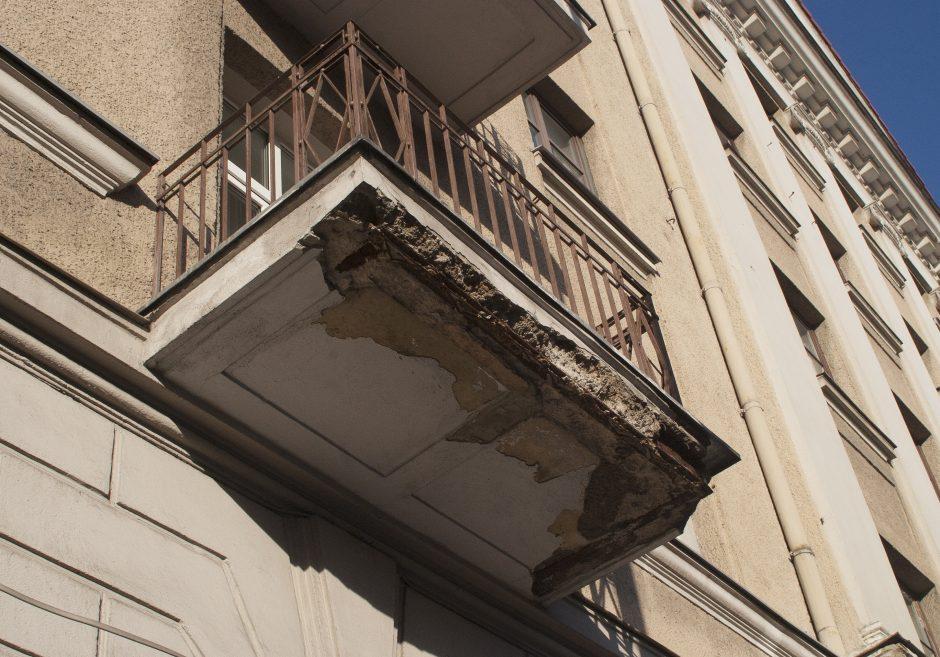 Nelaimė: Panevėžyje žuvo iš daugiabučio balkono iškritęs žmogus