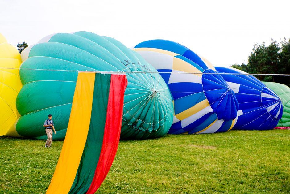 Birštoną papuošė karšto oro balionai