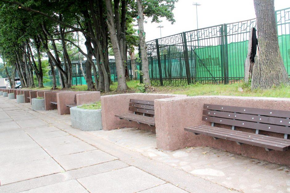 Sutvarkytą paminklą lakūnams subjaurojo vandalai