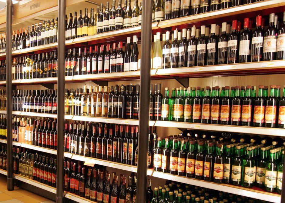 Elektrėnuose alkoholiu sunkiai apsinuodijo dvylikametis