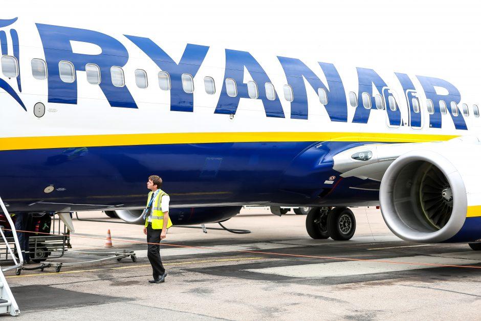 """""""Ryanair"""" ignoruoja keleivių teises: skola – 53 mln. eurų"""