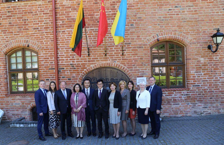 Kinų verslininkai nori investuoti Kauno rajone