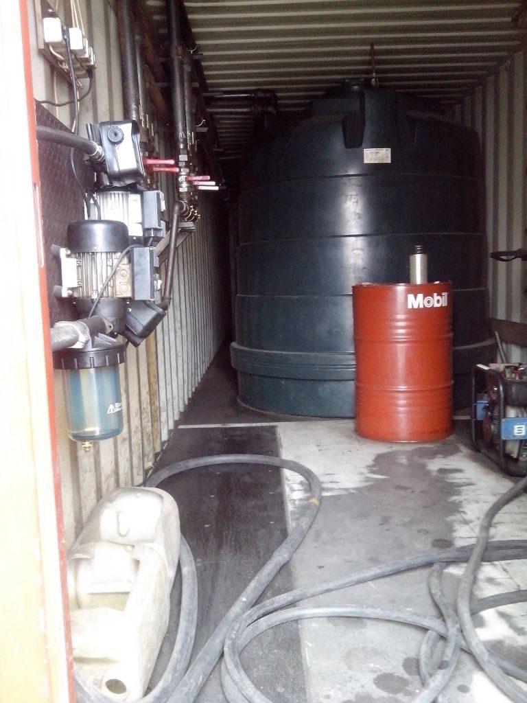 Įmonės degalinėje – 13 tūkst. litrų nelegalaus rusiško dyzelino