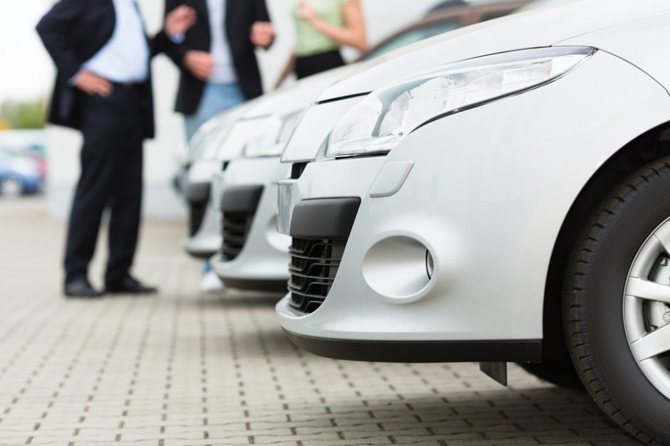 Tyrimas: per artimiausius 5 metus automobilį ketina pirkti tik trečdalis vairuotojų
