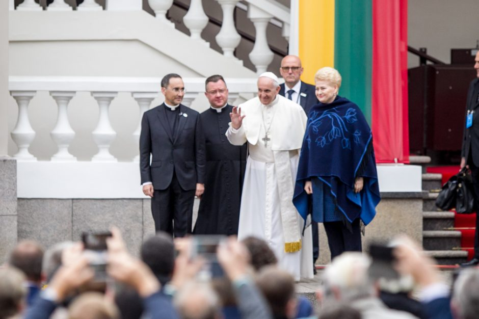 Istorinė diena: į Lietuvą atvyko popiežius Pranciškus