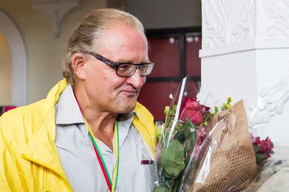 Į Lietuvą grįžo Europos čempionas A. Gudžius