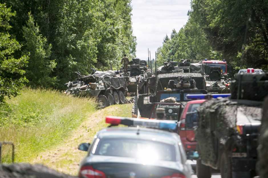 NATO karių eismo nelaimės Lietuvos keliuose – kariuomenė tam turi paaiškinimą