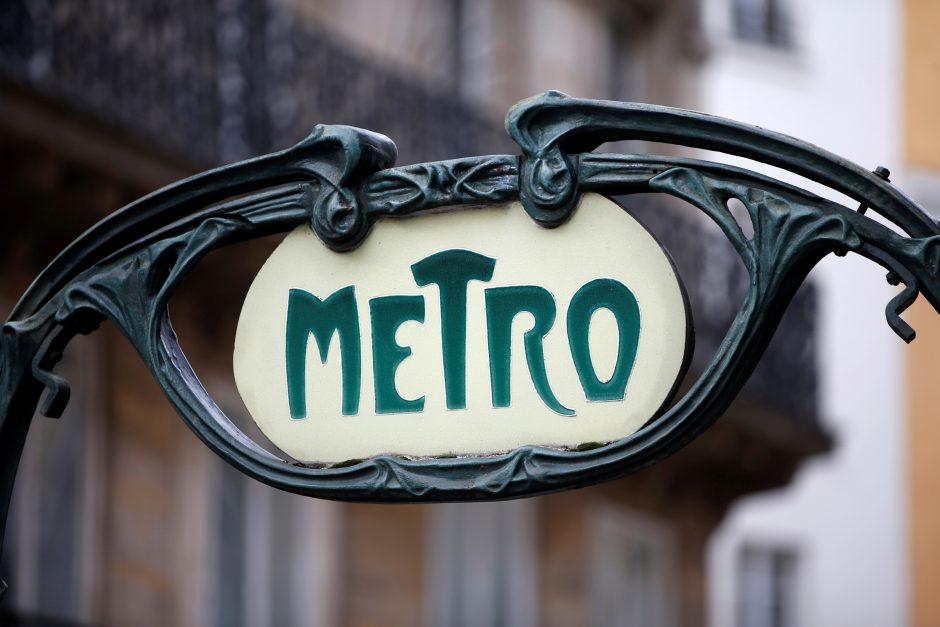Seimas pakluso prezidentės veto dėl metro
