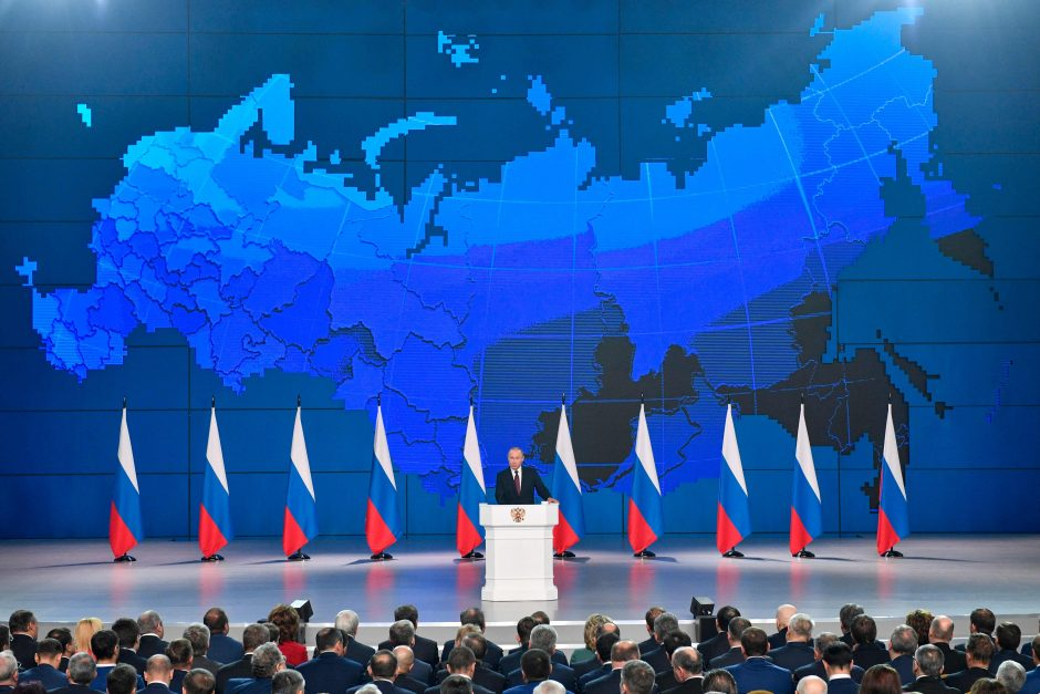 Metinis pranešimas: V. Putinas žada pagerinti rusų gyvenimo sąlygas