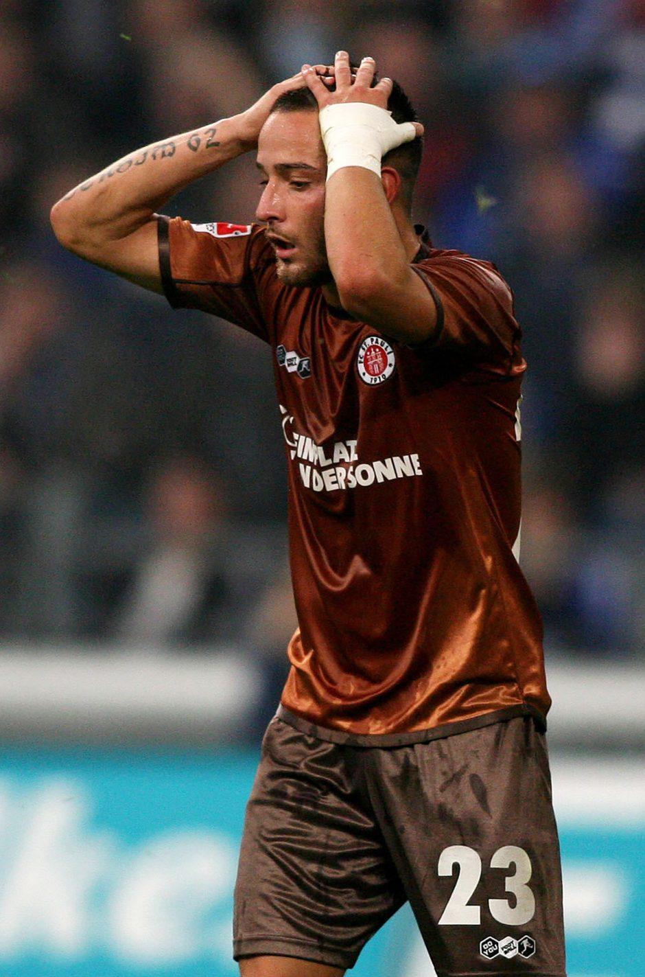 Vokietijoje apšaudytas turkų kilmės futbolininko automobilis