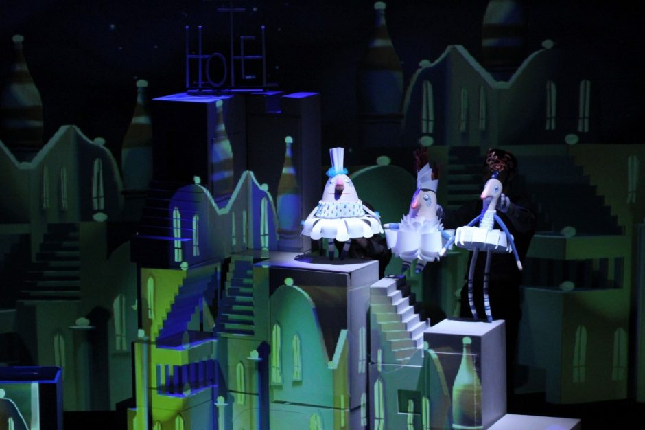 Nepasakiška Pelenės pasaka lėlių teatre