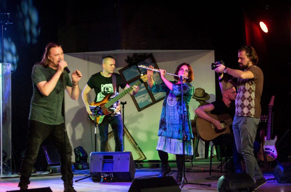 Atlikėjas V. Kovaliovas pristatė solinį albumą