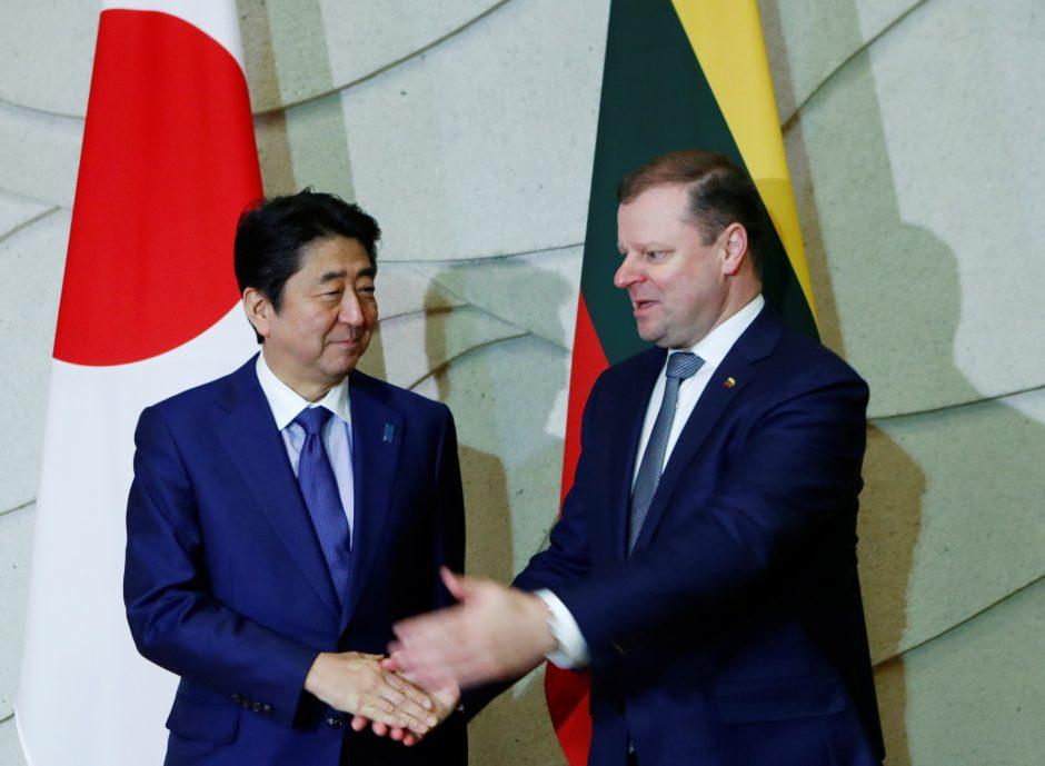 Į Lietuvą atvyko Japonijos premjeras